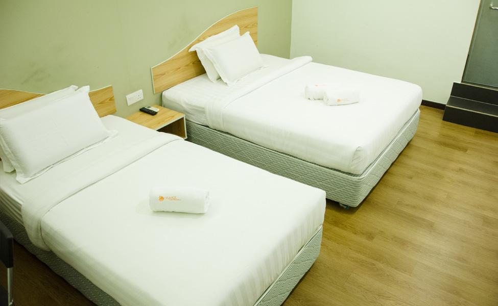room hotel kota kemuning deluxe room